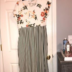 Women's petite maxi dress. Large